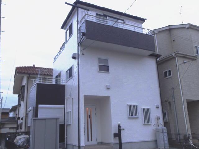 【施工実績103】外壁塗装・屋根重ね葺き:埼玉県三郷市